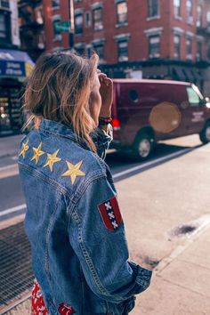 A Majorly Cool Way To Style a Denim Jacket