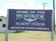 Hilarious School Team Names – 8 pics Weird Town Names, Funny Town Names, Odd Names, High School Mascots, Texas Humor, No Mans Land, California Love, Team Names