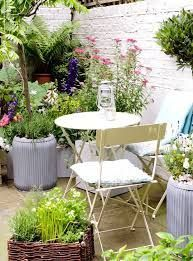 Cottage Gardens awesome 68 Beautiful French Cottage Garden Design Ideas - Make certain you pick the best species to find the maximum profit. It is just a whole package with respect to accommodation. The options are endless. Small Courtyard Gardens, Small Courtyards, Small Gardens, Terrace Garden, Patio Gardens, Walled Garden, Garden Table, Garden Bed, Patio Table
