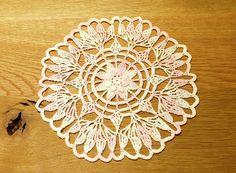 蓮の花のドイリー(編み図付き、はす、ハス)の画像:Crochet a little