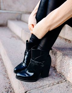 Mariannan - Page 31 of 866 - 24 Years Old, Lifestyle, Heart, Boots, Fashion, Crotch Boots, Moda, Fashion Styles, Shoe Boot