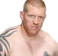 Rubens Vasilev - 39 ans - L'un des hommes de main d'O'Hara. Véritable montagne de muscles, il a une sérieuse dent contre Jarod qui a envoyé son patron en prison. De toute façon, il déteste les flics, toutes espèces confondues.