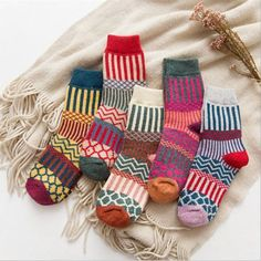 1102cf29e57 US 5 Pairs Womens Wool Cashmere Warm Soft Thick Casual Multicolor Winter  Socks