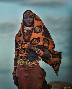 sandylamu: Turkana, Kenya Photo Poloz Kovairina - The Stylish Gypsy African Tribes, African Men, African Beauty, African Fashion, Cultures Du Monde, World Cultures, Black Is Beautiful, Beautiful People, Costume Africain