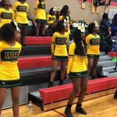 Cheers STOMPS & CHANTS 🤸🏻♀️ Cheer Dance Routines, Cheer Moves, Cheer Workouts, Easy Cheer Stunts, Cheer Jumps, Cheer Practice, Dance Choreography Videos, Dance Videos, Cheerleading Chants