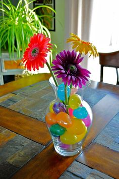 Cute and Easy Easter Centerpiece