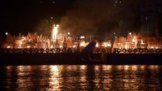 London 'alight' for Great Fire retelling - BBC News