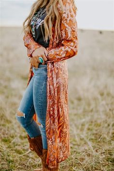 bohemian style Fall - The Royal Sequin Duster - COPPER Source by devi_juvi western outfits Country Style Outfits, Southern Outfits, Country Fashion, Country Western Outfits, Cowgirl Style Outfits, Womens Fashion Casual Summer, Women's Summer Fashion, Autumn Fashion, Holiday Fashion