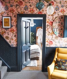 We cannot get enough of stunning Victorian Yorkshire home! It's filled with beautiful maximalist detail and is full of design inspiration. Head to our stories for a full tour of Sandra's home and a chat about daring to go bold! Modern Victorian Decor, Victorian House Interiors, Victorian Design, Victorian Bedroom Decor, Victorian Rooms, Victorian Houses, Style At Home, Deco Cool, Maximalist Interior