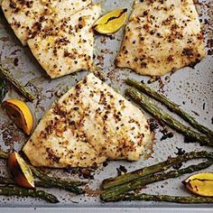 Baked Flounder with fresh lemon pepper. For this baked flounder recipe use fresh lemon, good olive oil, freshly ground peppercorns, and garlic, and you'll never look at lemon. Baked Flounder, Flounder Recipes, How To Cook Flounder, Fish Recipes, Seafood Recipes, Healthy Recipes, Lemon Recipes, Recipies, Cod Recipes