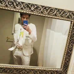 king of mirror selfie aka oh sehun Chanyeol, Exo Kai, Kyungsoo, Foto Instagram, Instagram Posts, Ideal Boyfriend, Kpop Exo, Actor Model, Entertainment