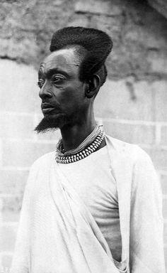 "Africa | ""Prince Mutudzi du Ruanda"". ca. 1925 || Vintage postcard; publisher Leopold Gabriel à Panda (Katanga). Photographer Zagourski. No. 274."