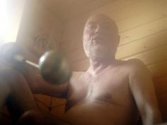 Saunas are good for the heart. In the 1980s 2,315 middle-aged men in Finland were asked about their sauna habits.Again  21 years later. Mortality rate was high if doing sauna once a week and much lower by four to seven times a week. With more than 19 minutes, they had half the risk of dying from cardiac arrest. The enthusiasts who visited at least four times a week kept the heat down to 77° C.  | ScienceNordic