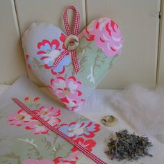 £5.50 Lavender Heart Kit with Cath Kidston Fabric