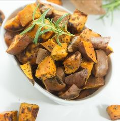 Rosemary Roasted Sweet Potatoes – a healthy and delicious side dish that is full of flavor and takes just minutes to prepare. Even better? This dish works for Paleo, gluten free and vegan diets. Paleo Diet Snacks, Paleo Recipes, Healthy Eating, Snack Recipes, Paleo Food, Keto Foods, Simple Recipes, Healthy Snacks, Paleo Meals