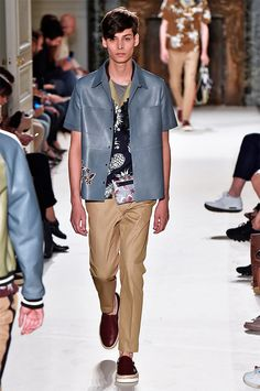 Maria Grazia Chiuri and Pier Paolo Piccioli presented their Spring/Summer 2016 collection for Valentino, during Paris Fashion Week.