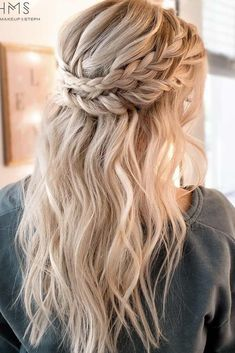22 cute hairstyles for short hair and medium length hair frisuren haare hair hair long hair short Best Wedding Hairstyles, Cute Hairstyles For Short Hair, Easy Hairstyles, Short Haircuts, Bohemian Hairstyles, Homecoming Hairstyles Down, Boho Hairstyles Medium, Medium Length Wedding Hairstyles, Braid And Curls Hairstyles