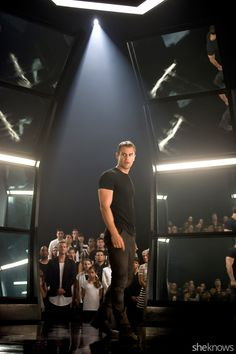 Insurgent exclusive! 7 Never-before-seen pics from the film: Tris and Four look hot!