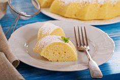 Der Zitronen-Grieß-Kuchen sieht nicht nur toll aus, er schmeckt auch so.