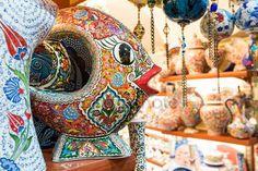 Cerámica turca en el gran bazar de Estambul, Turquía — Imagen de stock #27756839