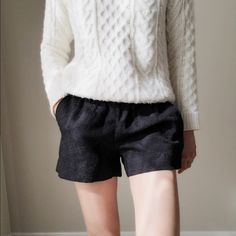J.CREW black floral pattern jacquard shorts. Great Short to show off your legs. The material is floral pattern detailing. Black shorts J. Crew Shorts