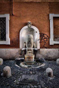 Roma - Bertozzi Stefano - Fontana della Botte, Via della Cisterna. #Rome #Italy