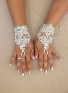 ivory lace Wedding,  bridal gloves, short lace glove, Unique lace glove,  adorned pearls gauntlets free ship