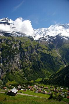 Scenic village in the Swiss Alps: Gimmelwald