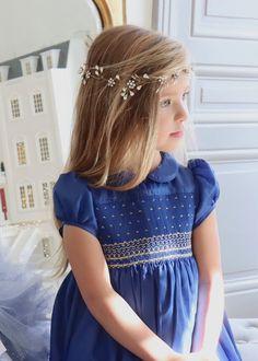 Girls Smocked Dresses, Little Girl Dresses, Flower Girl Dresses, Unique Dresses, Vintage Dresses, Smocking Patterns, Taffeta Dress, Smock Dress, Dame