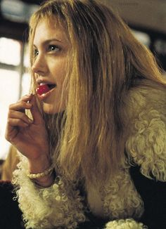 "Angelina Jolie as Lisa in ""Girl, Interrupted"" directed by James Mangold Ali Michael, Jane Birkin, Movie Stars, Movie Tv, Drew Barrymore, Charlie Chaplin, Great Movies, Female Characters, Girl Crushes"