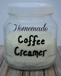 Get rid of all the extra unhealthy additives by making your own yummy Homemade Coffee Creamer.for your family members that do use creamer. Homemade Dry Mixes, Homemade Spices, Homemade Seasonings, Homemade Liqueur Recipes, Homemade Butter, Homemade Coffee Creamer, Powdered Coffee Creamer Recipe, Do It Yourself Food, Comida Keto
