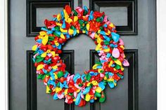 Here at MGV we love an excuse to get crafty around the house! Glue guns at the ready, here's 15 DIY Christmas wreaths to get everyone in the festive spirit!