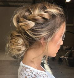 Love this loose braid hair style ☺