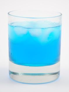 Papa Smurf #cocktail #drink #recipe 2 oz Blue Curacao 1/2 oz Coconut Rum 1 oz Sweet and Sour Mix Top with Sprite