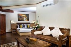 The Flora Kuta Bali (suite room)