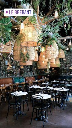 Outdoor Lighting for Restaurants . Outdoor Lighting for Restaurants . Decoration Restaurant, Deco Restaurant, Outdoor Restaurant, Bistro Interior, Restaurant Interior Design, Shop Interior Design, Interior Design Magazine, Tanzstudio Design, Cafe Design