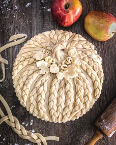 Pastry Cook, Pastry Art, Pie Crust Designs, Just Pies, Pie Decoration, Pies Art, Pastry Design, Thanksgiving Pies, Fall Recipes