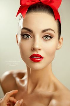 I love when people pull off red lipstick.