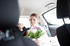 mariage voiture - bouquet de mariée - mairie