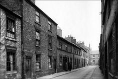 Blue Boar Lane 1938 (Photo: Ned Newitt) http://news.bbc.co.uk/local/leicester/hi/people_and_places/history/newsid_8314000/8314880.stm