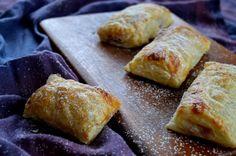 Heute stelle ich euch ein super einfaches und schnelles Rezept für Kirschtaschen vor. Sie sind lecker und mit wenigen Zutaten gemacht.