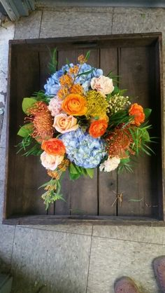 Bright,textural bouquets