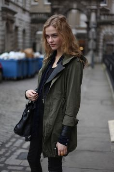 green + black // London Fashion by Paul: Street Muses Tomboy Chic, Types Of Jackets, London Fashion, High Fashion, Casual Outfits, Casual Clothes, Autumn Winter Fashion, What To Wear, Army Green