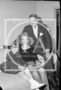 American actress Virginia Mayo and her Virginia Mayo, Photo Archive, American Actress, 1960s, Ireland, Irish, Image, Irish Language, Sixties Fashion