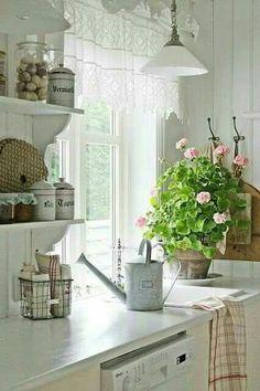 Shabby chic kitchen white cottage style Ideas for 2019 Country Kitchen, New Kitchen, Vintage Kitchen, Kitchen Wood, Kitchen White, Kitchen Tiles, Kitchen Small, Kitchen Shelves, Design Kitchen