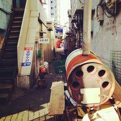 .@suadot | #골목#군고구마#구두수선#겨울#alley#korea#seoul | Webstagram