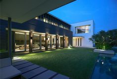 Maryland Drive Residence in Singapore by SCDA Architects