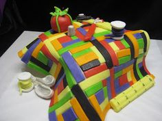 Linda M Poole: Quilt and Sewing Themed Cakes,