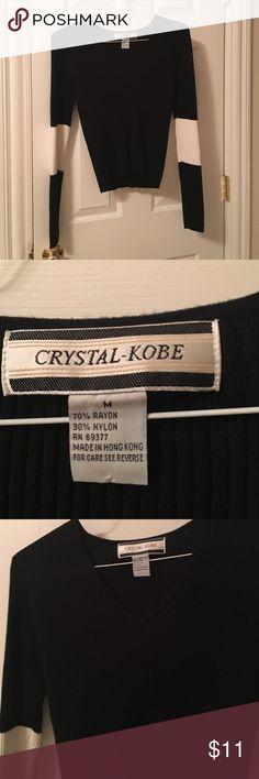 Lightweight V neck sweater Size Med black and off white sweater Crystal kobe Sweaters V-Necks