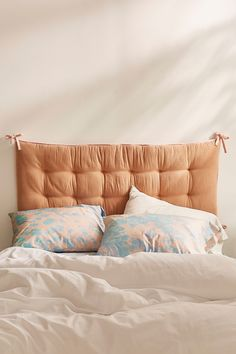 4 Impressive Ideas: Decorative Pillows On Sofa Stripes rustic decorative pillows home tours.Decorative Pillows On Bed Grain Sack decorative pillows teal etsy.Decorative Pillows For Teens Shops. Velvet Pillows, Diy Pillows, Pillow Headboard, Diy Fabric Headboard, Cheap Diy Headboard, Faux Headboard, Urban Outfitters Home, Rustic Decorative Pillows, Bed With Posts